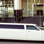 white chrysler 300c, limo hire perth
